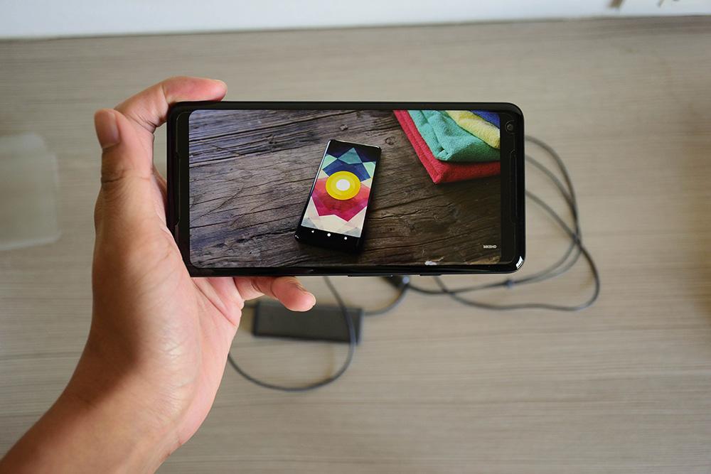 Google Pixel 2 Screen Size