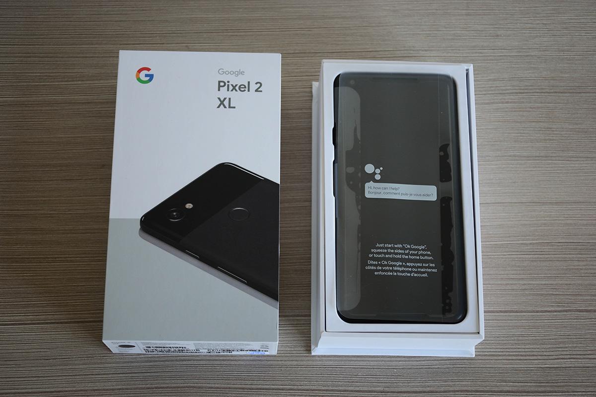 Google Pixel 2 XL Inside the Box
