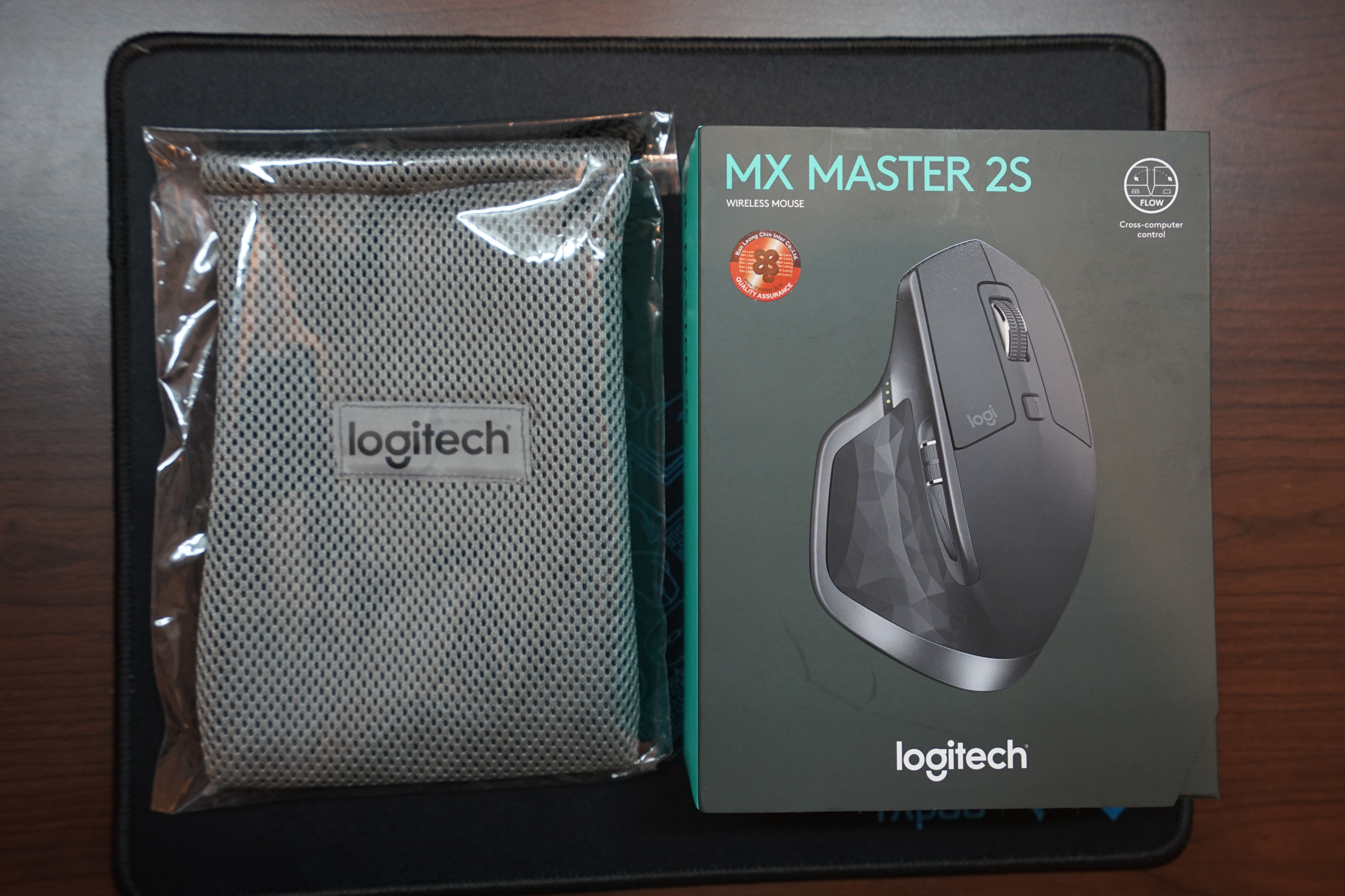 Logitech MX Master 2S with its bag
