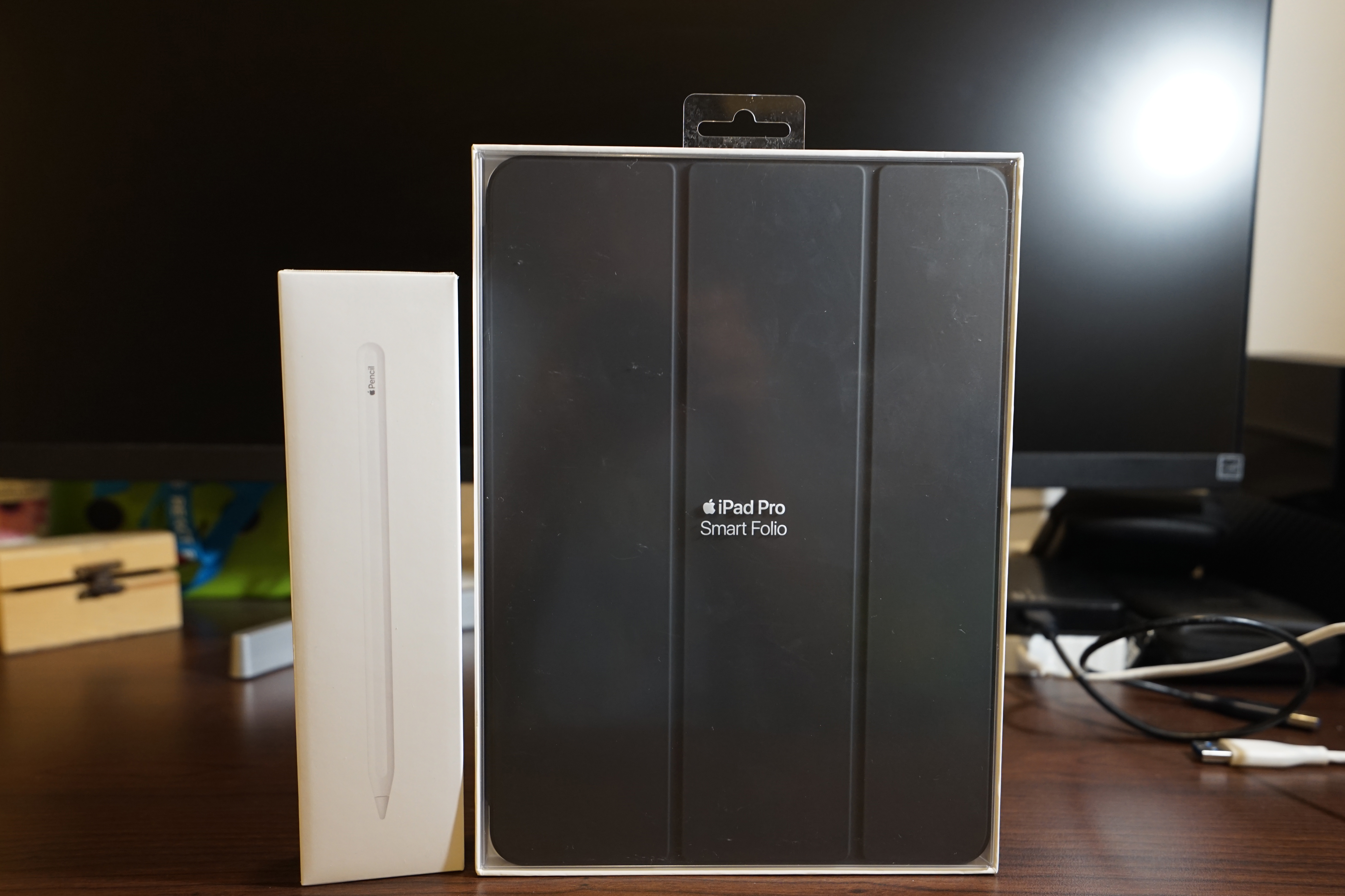 Apple Pencil 2nd Generation และ Apple Smart Folio